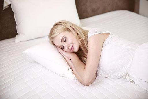 Nettoyer ses oreillers pour bien dormir - conseils tradilinge