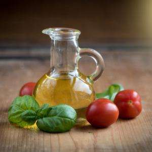 éliminer tâches d'huile sur linge de maison